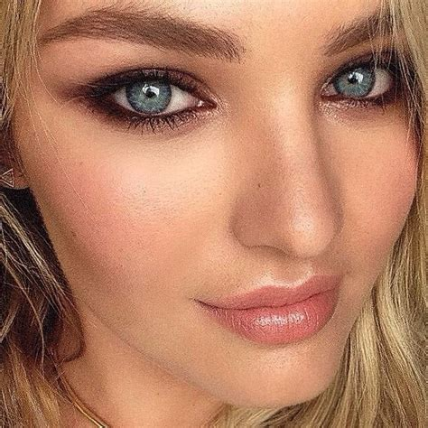Stunning Look By Hung Vanngo On Candice Swanepoel