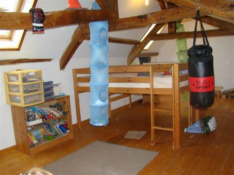 comment peindre chambre mansard馥 finest superbe comment peindre une chambre mansardee toujours vue de la porte il with comment peindre une chambre mansarde