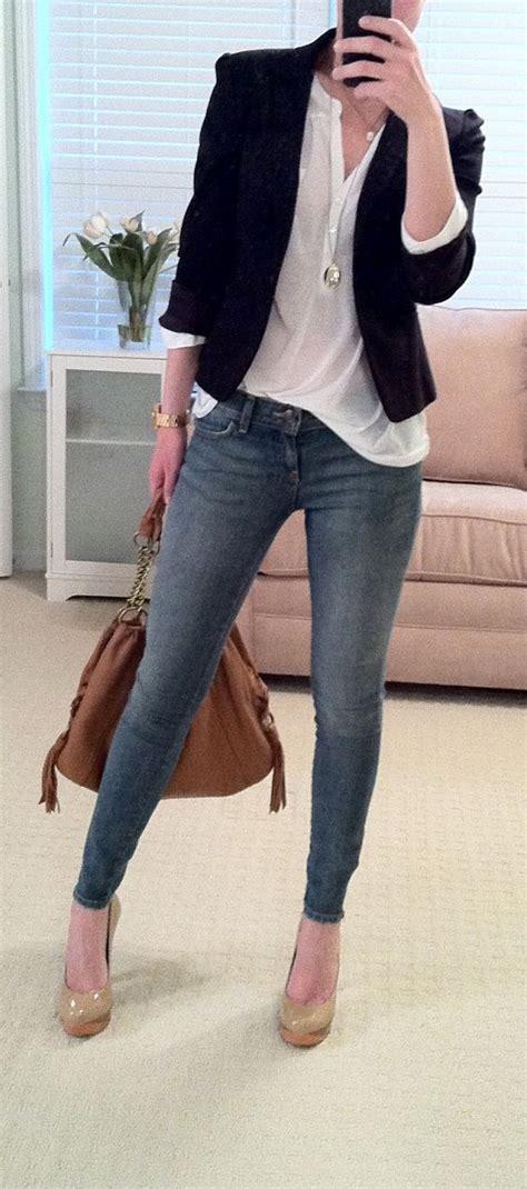 Outfit de jeans con blusa blanca (22) - Curso de Organizacion del hogar