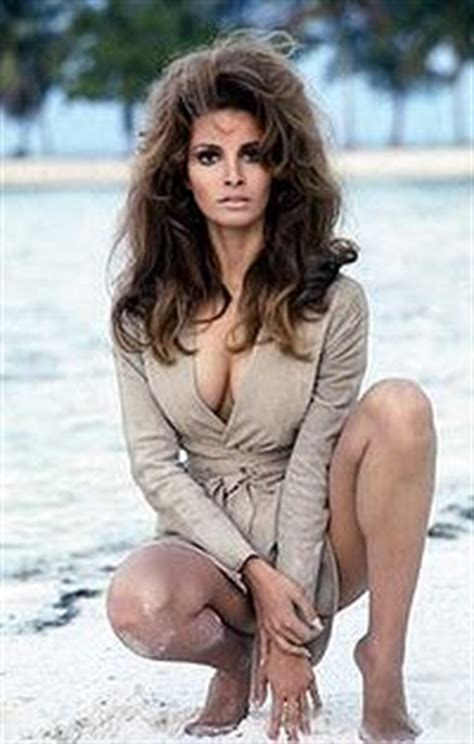 Raquel Welch Boobpedia Encyclopedia Of Big Boobs