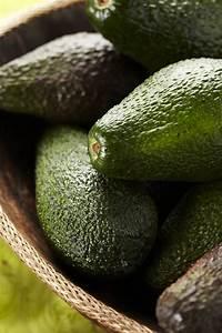 Avocado Pflanze Richtig Schneiden : wie man eine avocado entkernt pascale naessens ~ Lizthompson.info Haus und Dekorationen