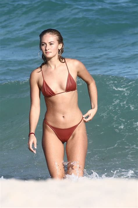 Celebrity Camel Toes Photos Thefappening