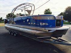 Boat Shrink Wrap Pinckney Mi by Lowe Pontoon Boat With Razorback Wrap Wants