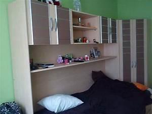 Jugendbett Mit Schrank : jugendzimmer mit berbau ~ Markanthonyermac.com Haus und Dekorationen