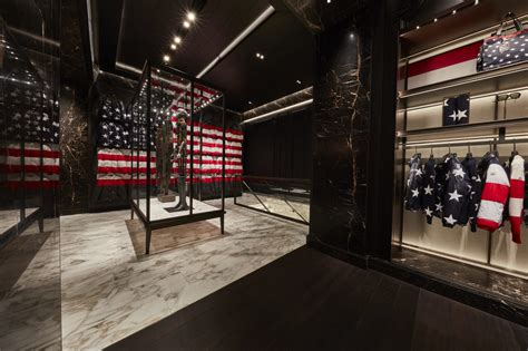 Moncler First American Flagship Store In New York  Les FaÇons