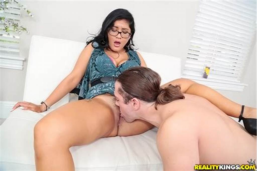 #Hairy #Latina #Teen #Selena #Kyle #Getting #Her #Pussy #Licked #And