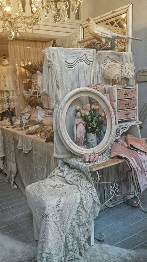 shabby chic displays 1000 images about vintage flea market style on pinterest vintage marketplace booth displays