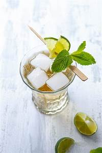 Moscow Mule Gin : gin and ginger beer moscow mule recipe a communal table ~ A.2002-acura-tl-radio.info Haus und Dekorationen