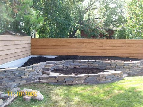 backyard fence landscaping ideas fencing ideas for backyards backyard fence ideas to keep your backyard privacy and convenience