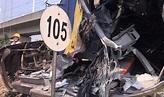 聯結車熄火卡平交道 遭火車撞上4人受輕傷 - 生活 - 中時電子報