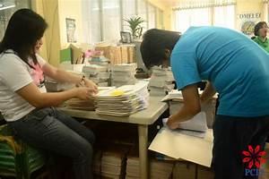 Public market tenant, halo-halo work | Philippine Center ...