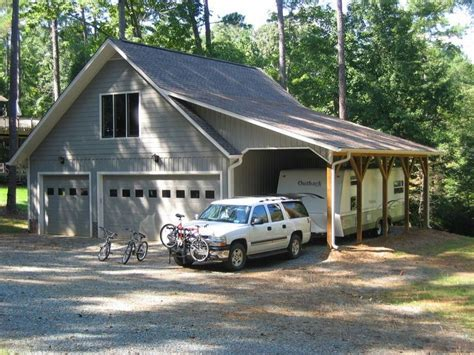 The PERFECT garage. Vertical board and batten siding with