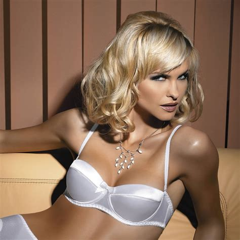 Will You Be Puzzled By What Wedding Bra You Will Need
