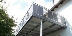 balkon stahl balkonbau auburger stahl anbaubalkone balkonanbauten mit balkongeländer holz