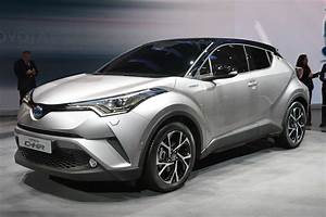 Toyota Chr Hybride : toyota 39 s vezel fighter 39 c hr 39 will be available with a 1 2l turbocharged engine pakwheels blog ~ Medecine-chirurgie-esthetiques.com Avis de Voitures
