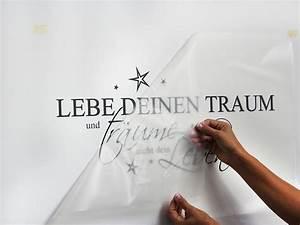 Klebeband Von Wand Entfernen : wandtattoo anbringen die anleitung um wandtattoos anzubringen ~ Frokenaadalensverden.com Haus und Dekorationen