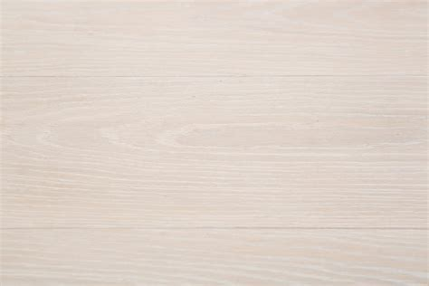 3 Oak Floor Product   Lime Washed Oak