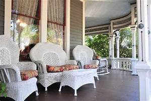 front porch Victorian wicker furniture - Hooked on Houses