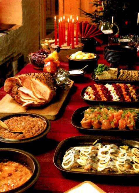 Christmas Decorating Food Table