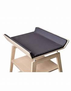 Table A Langer Design : table a langer linea en h tre naturel avec matelas ~ Teatrodelosmanantiales.com Idées de Décoration