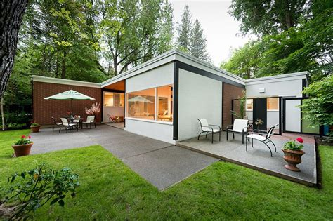 Landmarks Midcentury Modern Home Featured On Historic