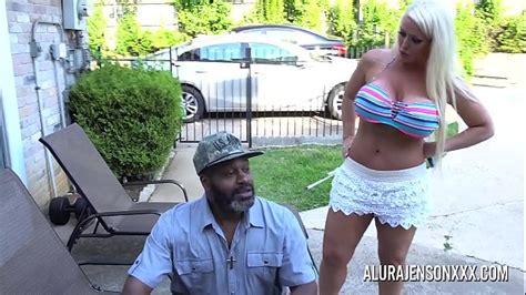 Budhe Kaliye Ne Bade Lund Se Gori Ki Chut Chodi Video