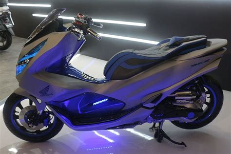 Pcx 2018 Indonesia by Honda Pcx 2018 Dimodif Bergaya Futuristik Modifikasi