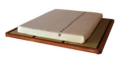 les cuisines à vivre cinius lit en bois quot quot lit japonais en bois d 39 hêtre