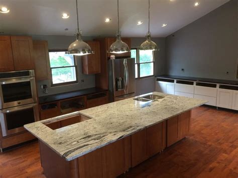 Silver Cloud Granite   Kitchen   Indianapolis   by Indy