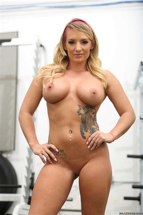 Curvaceous Blonde Got Fucked In The Gym Photos Cali Carter Milf Fox