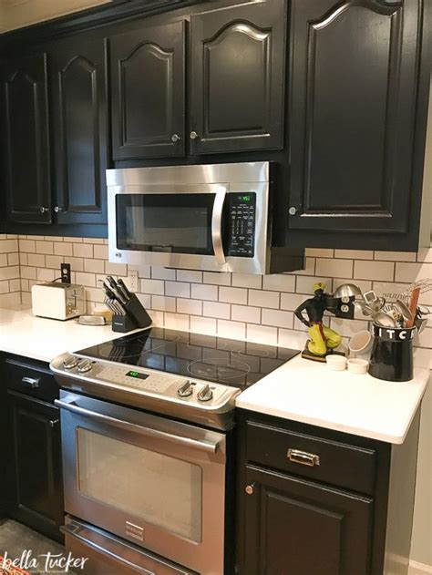 kitchen cabinet refacing     bella tucker
