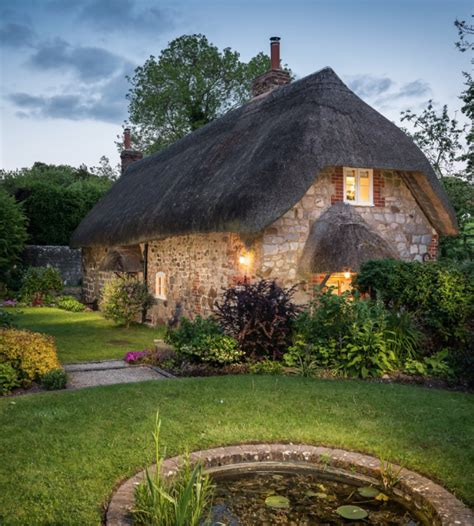 Cottages To Rent Uk by This Cottage Is As To Magical As You Can Get