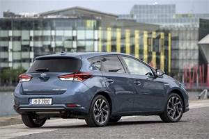Toyota Auris 2015 : toyota auris review carzone new car review ~ Medecine-chirurgie-esthetiques.com Avis de Voitures