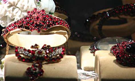 shops    selling fake bohemian garnets