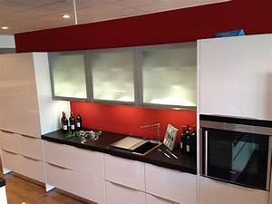 Küche Mit Granitarbeitsplatte : nobilia musterk che k che mit granitarbeitsplatte und ~ Michelbontemps.com Haus und Dekorationen
