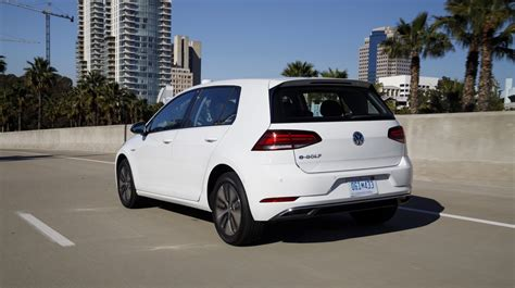 E Golf 2017 by 2017 Volkswagen E Golf Priced At 31 315 The Torque Report
