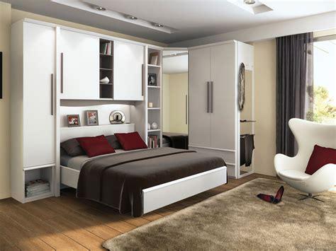 chambre a coucher avec pont de lit meuble pont lit