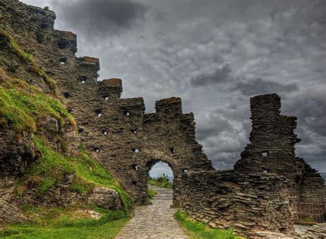 tintagel castle ruins tintagel castle   tintagel