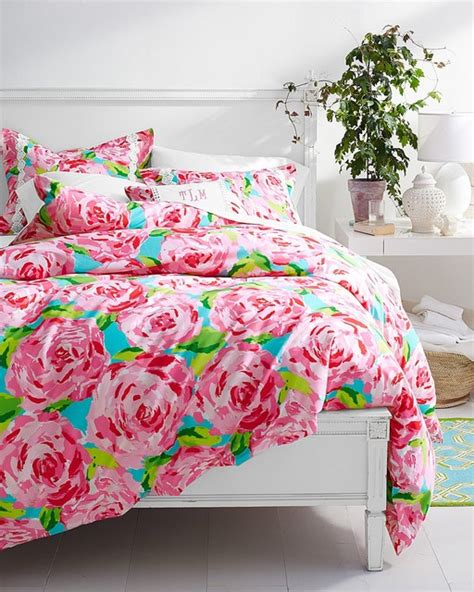 Lilly Pulitzer Bed Spread by Lilly Pulitzer Impression Hotty Pink Bedroom