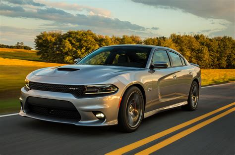2015 dodge charger srt 392 front three quarter view in motion 2 photo 28
