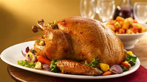 cuisiner une cuisse de dinde stuffed roast turkey and gravy made delicious