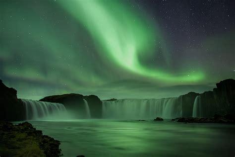 iceland october northern lights northern lights tour oct 2012 goðafoss waterfall www