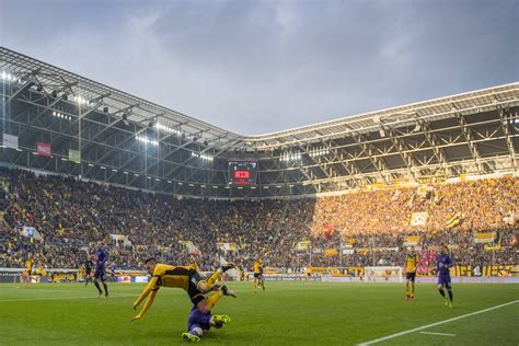 We would like to show you a description here but the site won't allow us. Dynamo Dresden: Stadionvorstellung