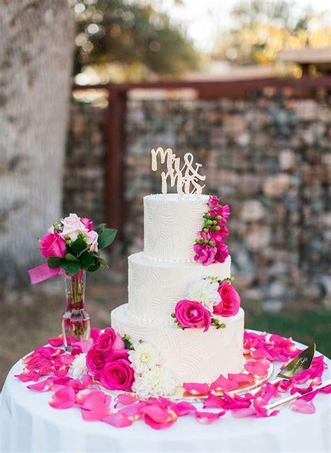 fuchsia wedding cake httpwwwdeerpearlflowerscom