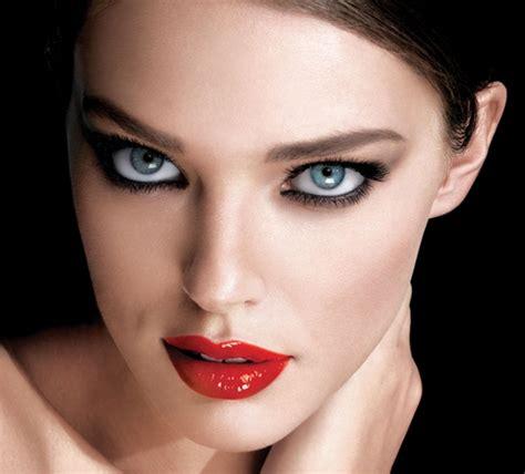maquillage yeux noir le maquillage avec 224 l 232 vre pour les f 234 tes de fin d 233 e 2017 obsigen