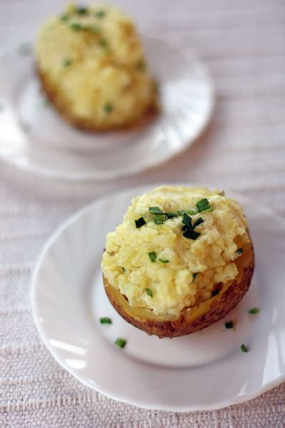 sour cream  chives  baked potatoes recipe