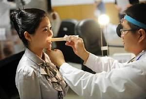 New Xiamen Airlines Flight Attendant Hires Must Pass Smell