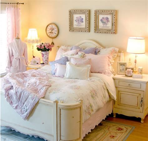 10 Country Cottage Bedroom Decorating Ideas