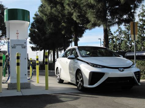 Electric Car Fuel by 2016 Toyota Mirai Fuel Cell Car Will Alter Industry As