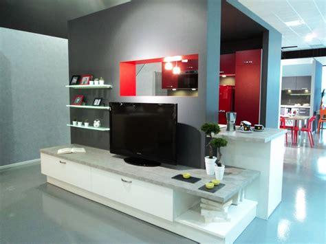tv pour cuisine aviva fait aussi de l am 233 nagement salon et des meubles tv tendances des cuisines aviva